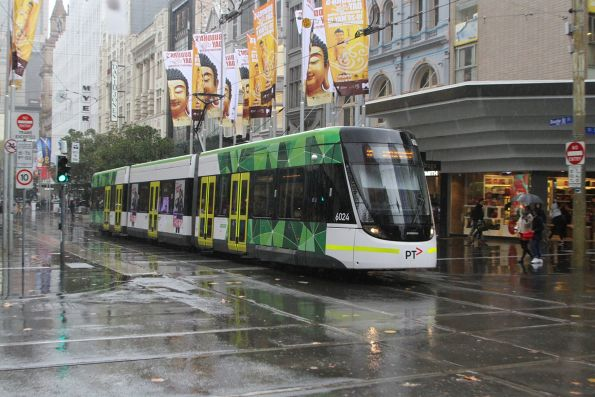 E.6024 heads east on route 96 at Bourke and Swanston Street