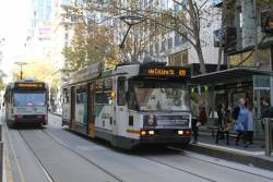 A2.280 heads west on route 109 at Collins and Swanston Street