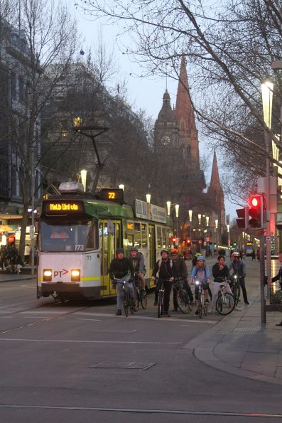 Z3.173 heads north on route 72 at Swanston and Bourke Street