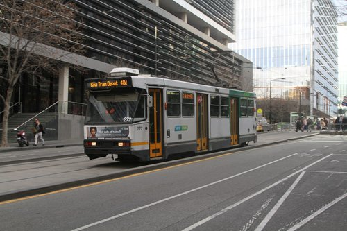 A2.272 heads east on route 48d at Collins and Spencer Street