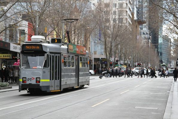 Z3.206 heads north on route 3 at Swanston and Little Bourke Street