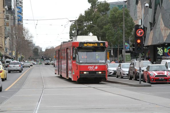 B2.2068 advertising 'Red Energy' heads west on route 75 at Flinders and Swanston Street