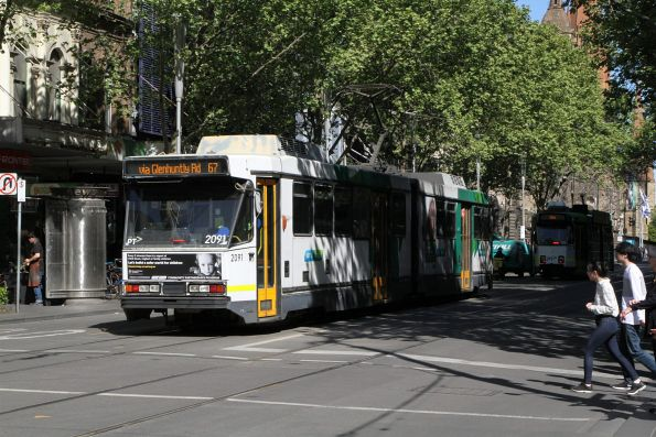 B2.2091 heads south on route 67 at Swanston and Bourke Street