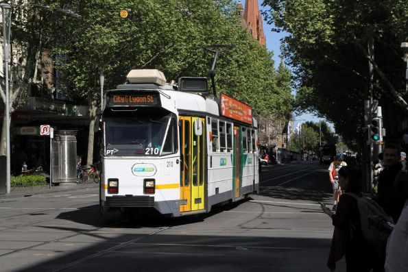 Z3.210 heads north on route 6 at Swanston and Bourke Street