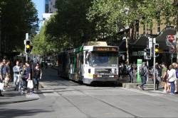 B2.2083 heads west on route 86a at Bourke and Swanston Street