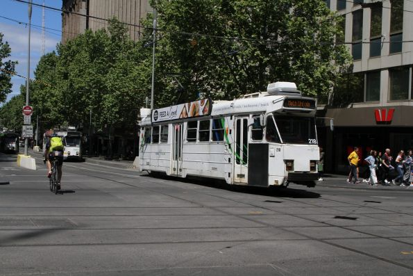 Z3.218 heads north at Swanston and Collins Street