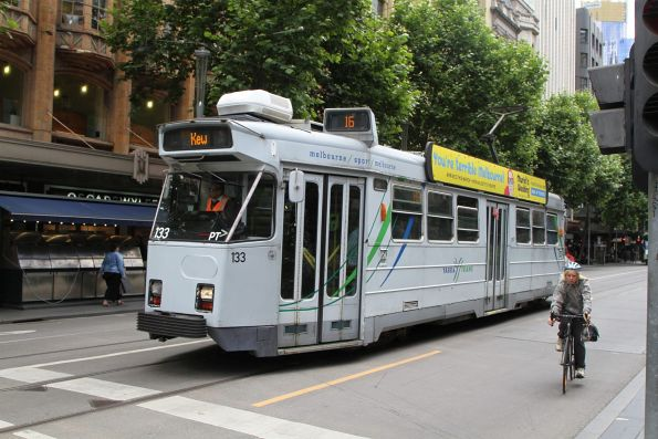 Z3.133 heads south on route 16 at Swanston and Collins Street