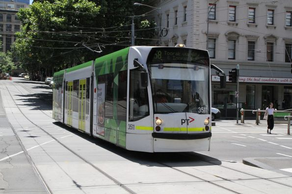 D1.3511 heads south on route 58 at Market and Flinders Street