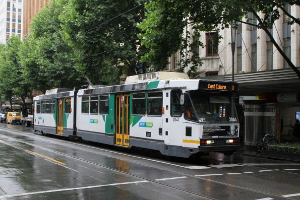 B2.2041 heads north on route 1 at Swanston and Little Collins Street
