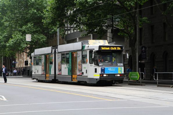 B2.2028 heads south on route 58a to Southbank / City Road at William and Bourke Street