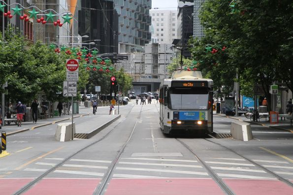B2.2128 heads south on route 1 at Swanston and A'Beckett Street