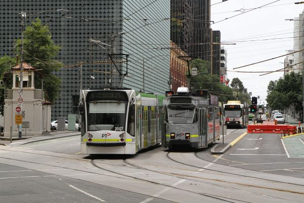 D1.3507 on route 5 passes Z3.216 on route 3 at Swanston and Franklin Street