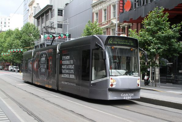 D1.3527 advertising 'Carlton Zero' heads north on route 72 at Swanston and A'Beckett Street