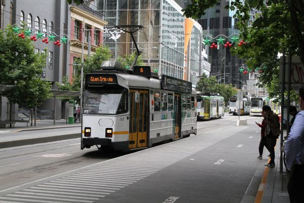 Z3.141 heads south on route 6 at Swanston and A'Beckett Street