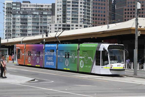D2.5001 advertising 'Summers Best Events' for PTV heads north on route 6 at Swanston and Flinders Street
