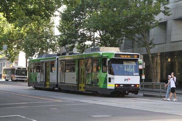 B2.2088 heads south on route 58 at William and Lonsdale Street