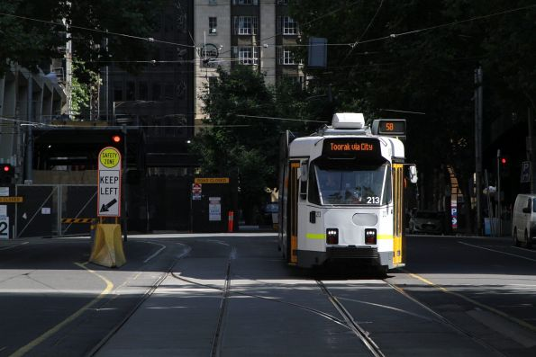 Z3.213 heads south on route 58 at Market and Flinders Street