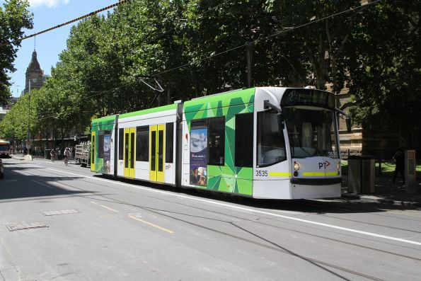 D1.3535 heads south on route 72 at Swanston and Flinders Street