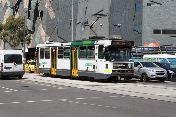 A2.297 heads west on route 75 at Flinders and Swanston Street