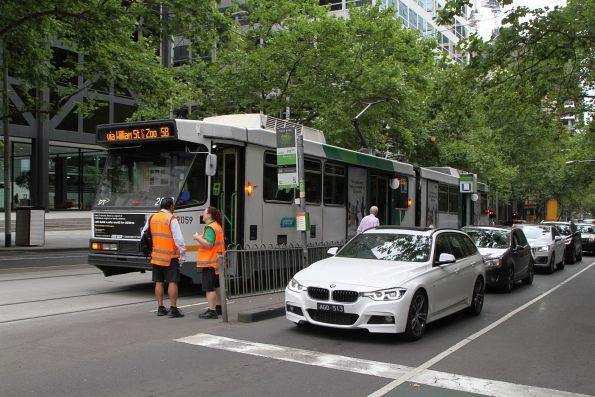 Driver change for B2.2059 northbound on route 58 at William and Bourke Street