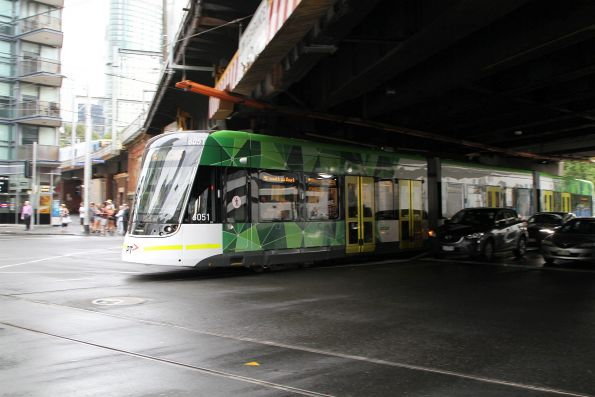 E2.6051 heads north on route 96 at Spencer and Flinders Street