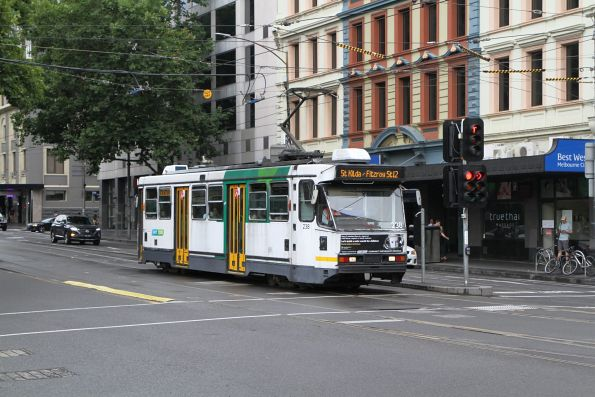 A1.238 heads south on route 12 at Spencer and Flinders Street