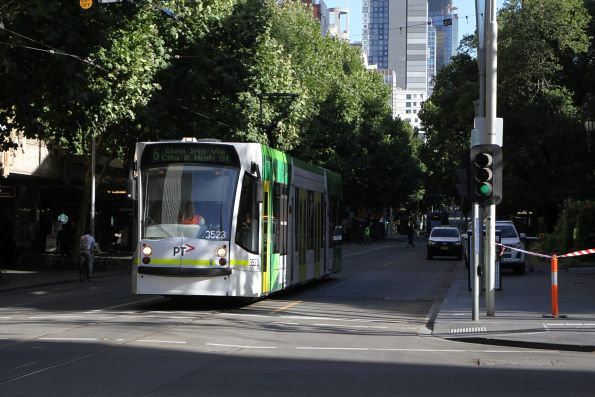 D1.3523 heads south on route 6 at Swanston and Collins Street