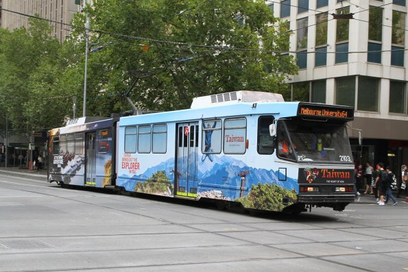 B2.2103 advertising 'Taiwan Tourism' heads north on route 64 at Swanston and Collins Street