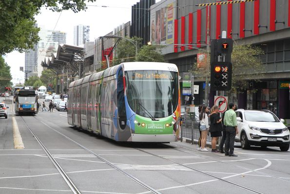 C2.5106 heads north on route 86a at Spencer and Lonsdale Street