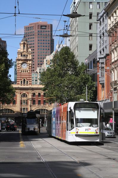 D2.5001 heads north on route 19 at Elizabeth and Collins Street