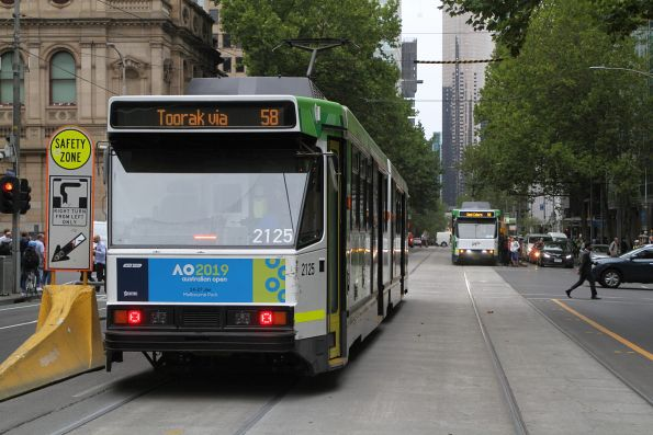 B2.2125 and B2.2078 pass on route 58 at William and Lonsdale Street