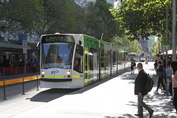 D2.5012 heads south on route 6 at Swanston and Little Lonsdale Street