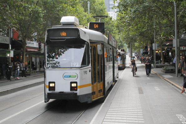 Z3.193 heads south on route 64 at Swanston and Bourke Street