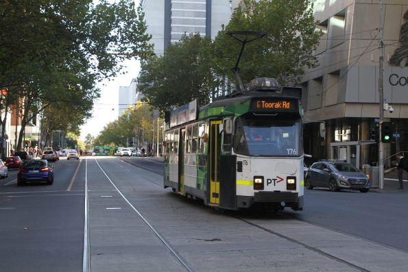 Z3.176 heads south on route 58 at William and Lonsdale Street