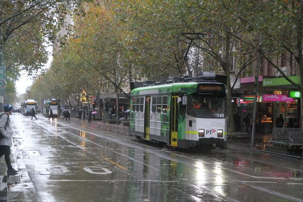 Z3.165 heads north on route 64 at Swanston and Bourke Street