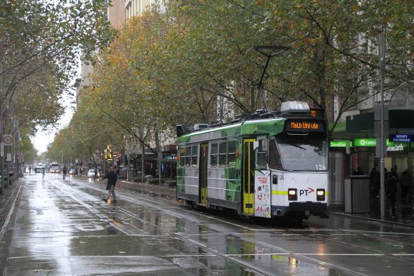 Z3.126 heads north on route 72 at Swanston and Bourke Street