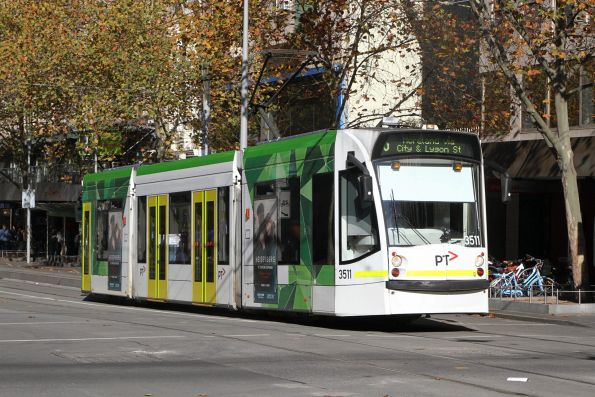 D1.3511 heads north on route 6 at Swanston and Collins Street