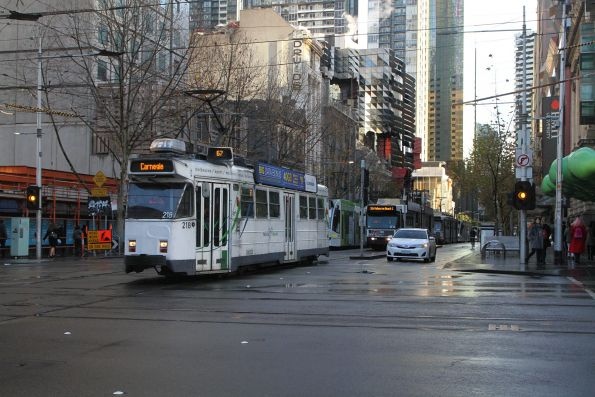 Z3.218 heads south on route 67 at Swanston and La Trobe Street