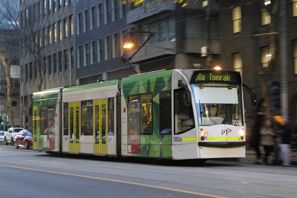 D1.3526 heads south on route 58a at William and Bourke Street
