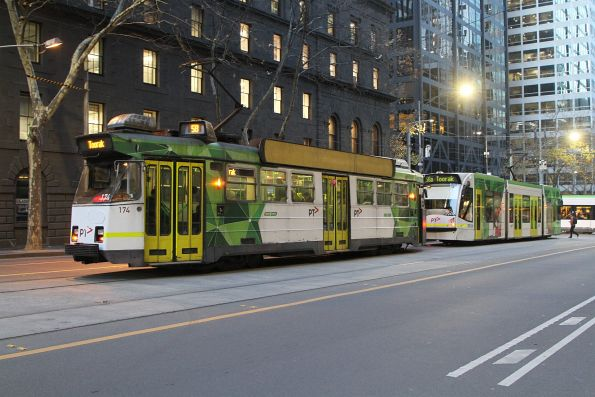 Z3.174 and D1.3526 head south on route 58 at William and Bourke Street