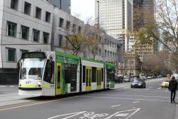 D1.3525 heads north on route 58 at William and Little Lonsdale Street
