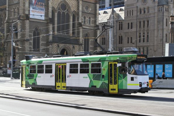 Z3.182 heads south on route 3 at Swanston and Flinders Street