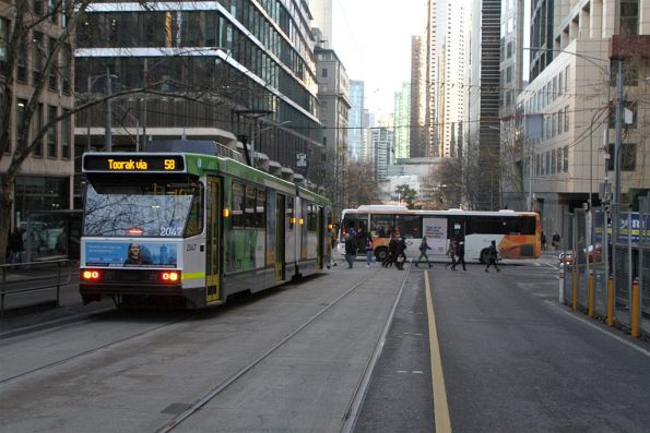 B2.2047 heads south on route 58 at William and Collins Street