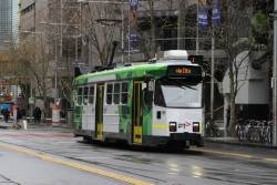 Z3.142 heads south on route 1 at Swanston and La Trobe Street