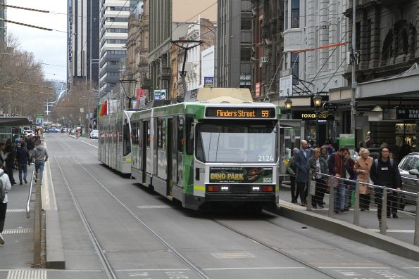 B2.2124 heads south on route 59 at Elizabeth and Collins Street