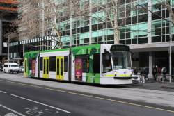 D1.3503 heads north on route 58 at William and Lonsdale Street