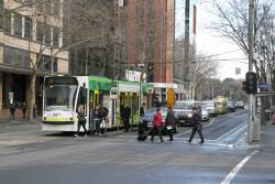 D1.3523 heads south on route 58 at William and Lonsdale Street