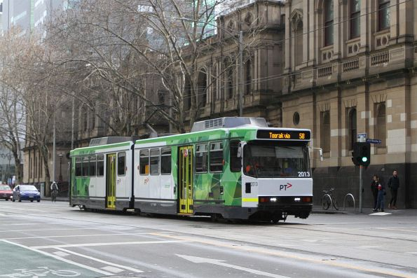 B2.2013 heads south on route 58 at William and Little Bourke Street