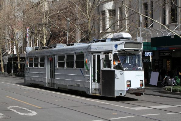Z3.175 heads north on route 16 at Swanston and Bourke Street