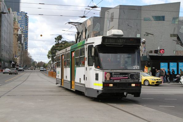 A2.297 heads west on route 70 at Flinders and Swanston Street